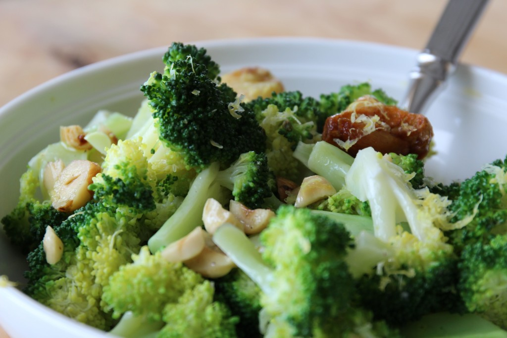 Broccoli Garlic Hazelnuts