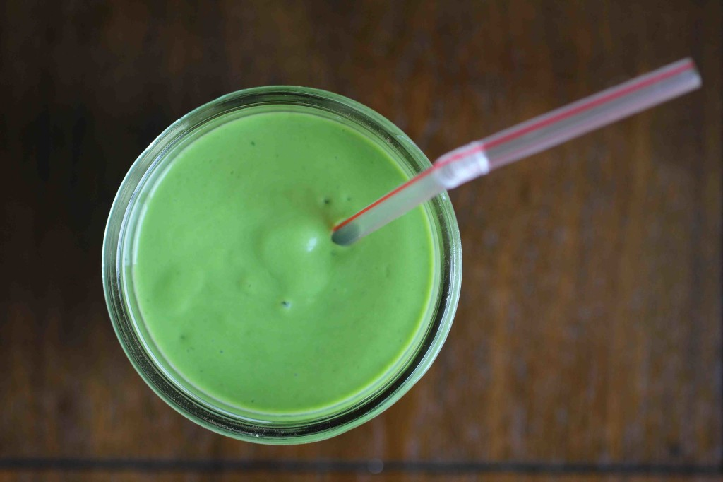 Creamy Banana Green Smoothie